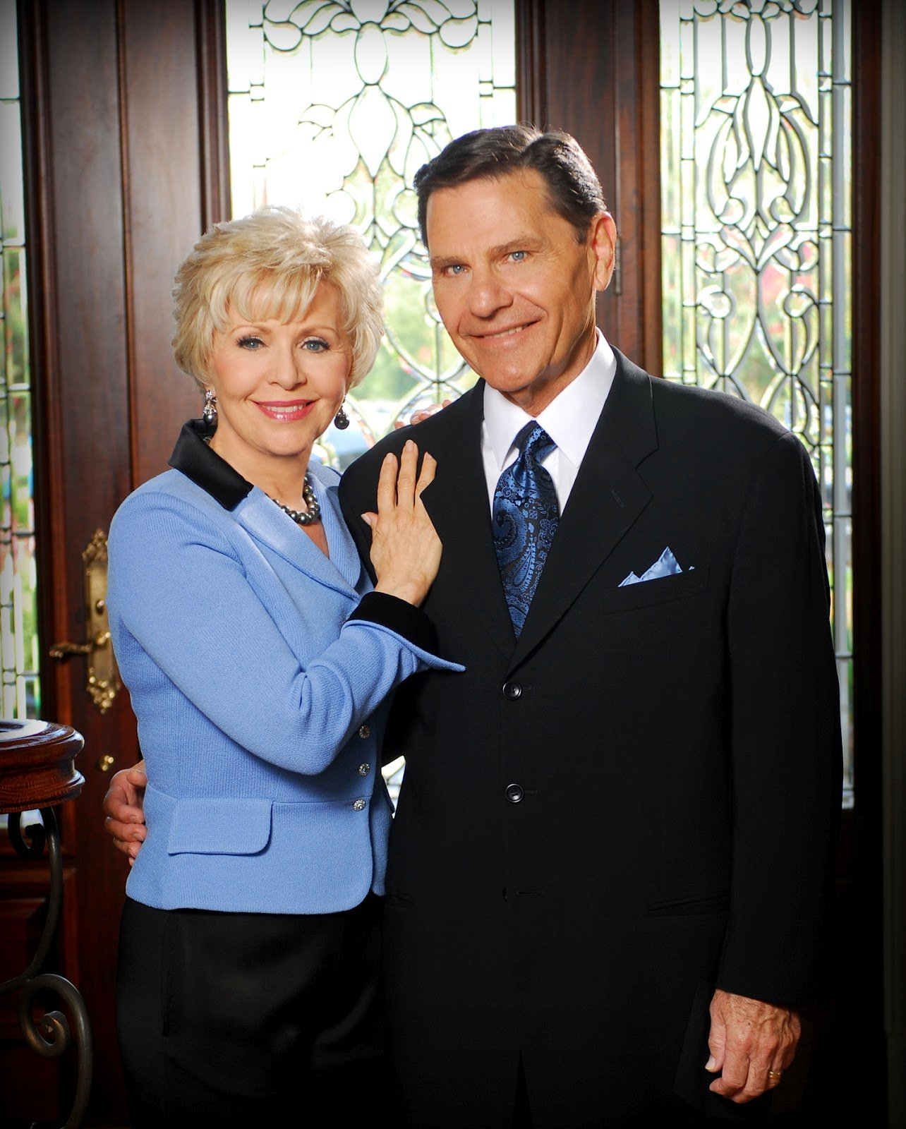 Photo of Kenneth Copeland Daily Devotional September 28, 2017 – No Burden