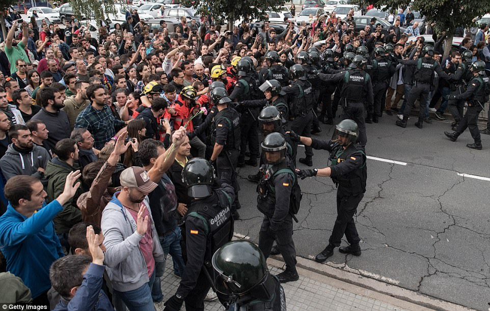 Catalan Independence Referendum: Protesters left injured