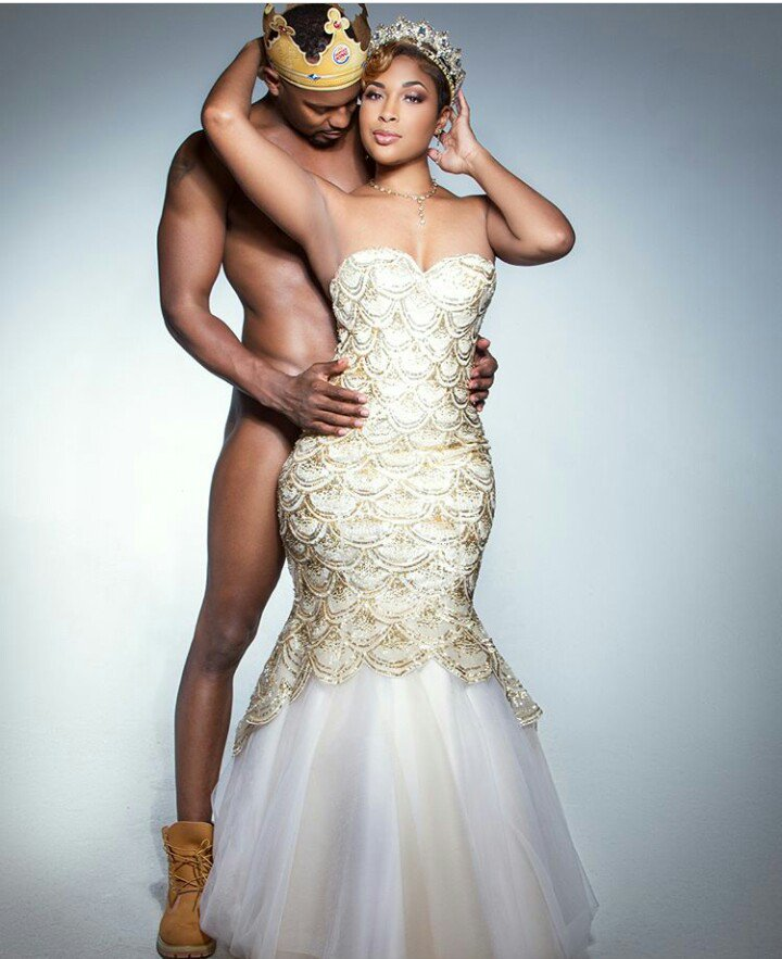Photo of Shocking photos: Man poses completely nak'd for his pre-wedding photoshoot