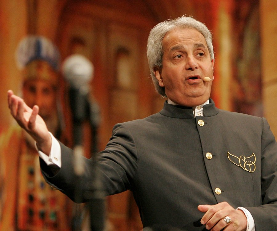 Photo of Pastor Benny Hinn predicts what would happen in Nigeria couple of weeks from now