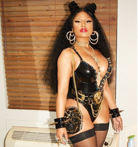 Photo of Nicki Minaj teases fans with busty display ahead of her 'Chun-Li' video release
