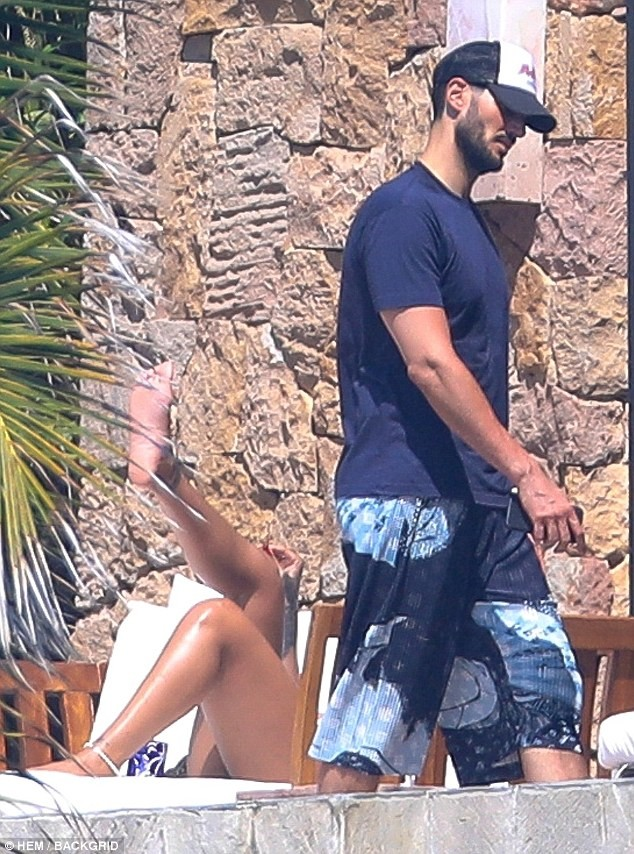 Rihanna, Rihanna pictured having a very tense exchange with ex-Billionaire boyfriend Hassan Jameel while vacationing in Mexico (Photos)