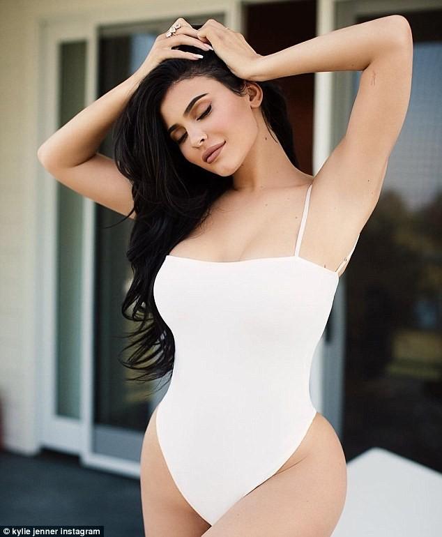 Kylie Jenner beats Mark Zuckerberg