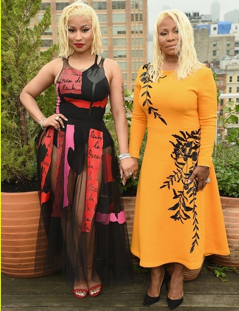 Nicki Minaj and her mom rock matching hairstyles as they attend Oscar De La Renta Show