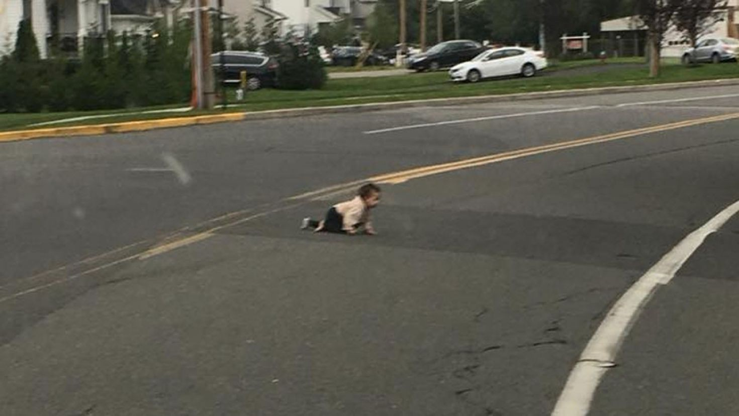 Photo of Baby found crawling across New Jersey road prompts investigation