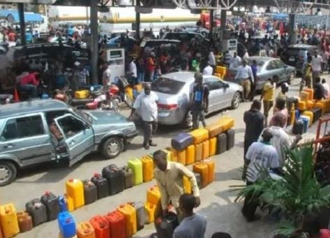 Photo of Oil marketers insist on shutting down all loading operations by midnight