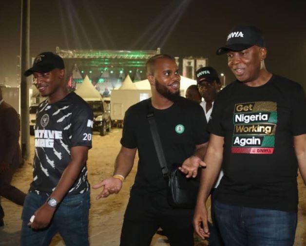 Photo of Senate President, Bukola Saraki attended Davido's concert in Lagos (Photos)