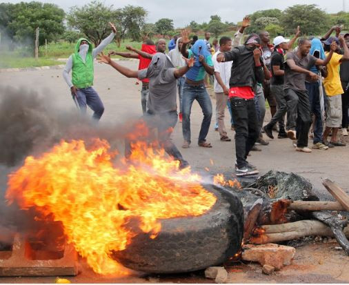 Photo of Zimbabwe shuts down social media, internet amidst protests about fuel price hike