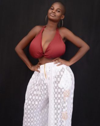 Ghanaian model with big breasts