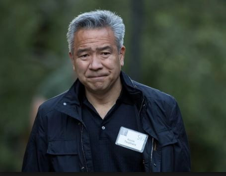Photo of Warner Bros chairman and CEO, Kevin Tsujihara steps down following sexual misconduct allegations