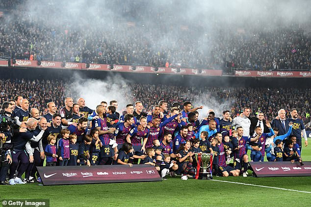 Barcelona crowned La Liga champions (Photos)