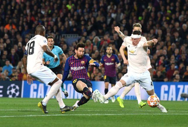 Photo of Barcelona thrash Man United 3-0 to enter Champions League semis