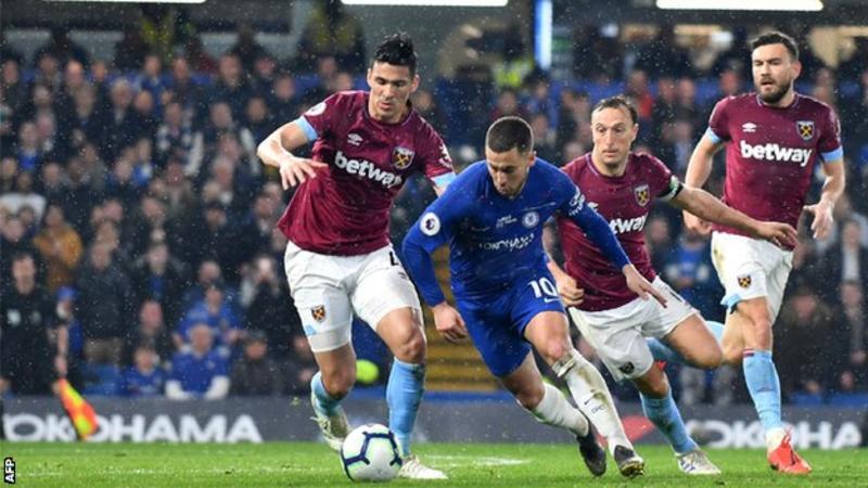 Photo of Chelsea 2-0 West Ham: Hazard double sends Blues third