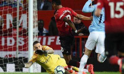 Manchester City beats United 2 - 0