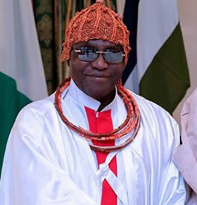 Photo of Oba of Benin bans the wearing of beads in his kingdom