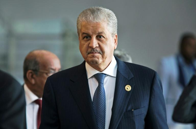 Photo of Algerian ex-Prime Minister, Abdelmalek Sellal detained for ' corruption '
