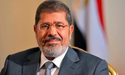 Mohammed Morsi faints and dies in court