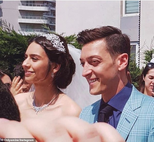 Photo of Mesut Ozil marries 2014 Miss Turkey Amine Gulse in glamorous Istanbul ceremony (Photos)