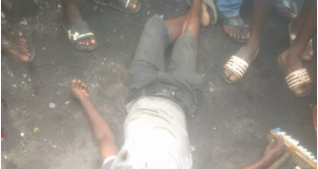 Stray bullet allegedly fired by SARS officers kill street cleaner in Lagos