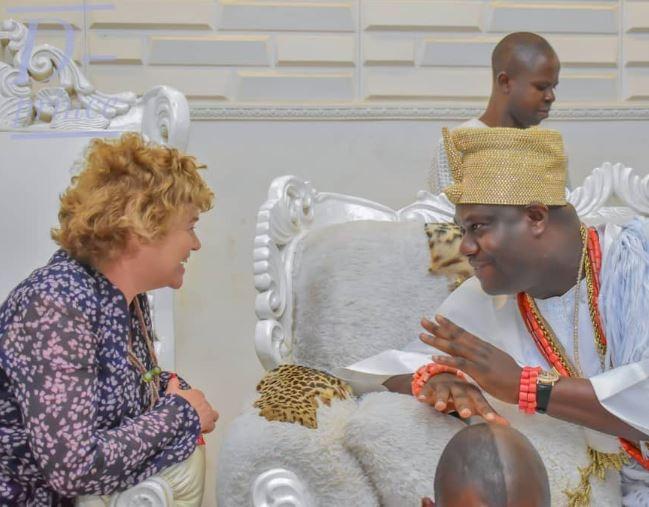 Photo of British High Commissioner, Catriona Laing visits Ooni Of Ife