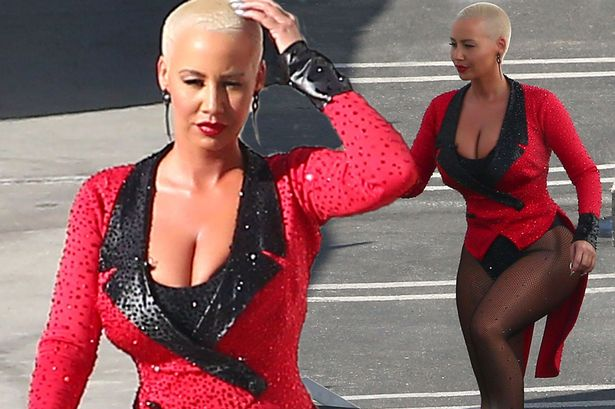 Photo of Amber Rose reveals she stopped being friends with 20 people in 2018 for sleeping with her boyfriend