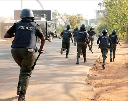 Police Inspector kills his colleague, shoots Superintendent