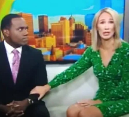 Photo of TV host cries and apologizes for saying that her black colleague looks like a gorilla on Live TV (video)