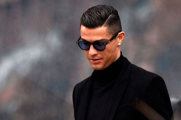 Photo of Cristiano Ronaldo makes more money on Instagram than playing for Juventus – New Report
