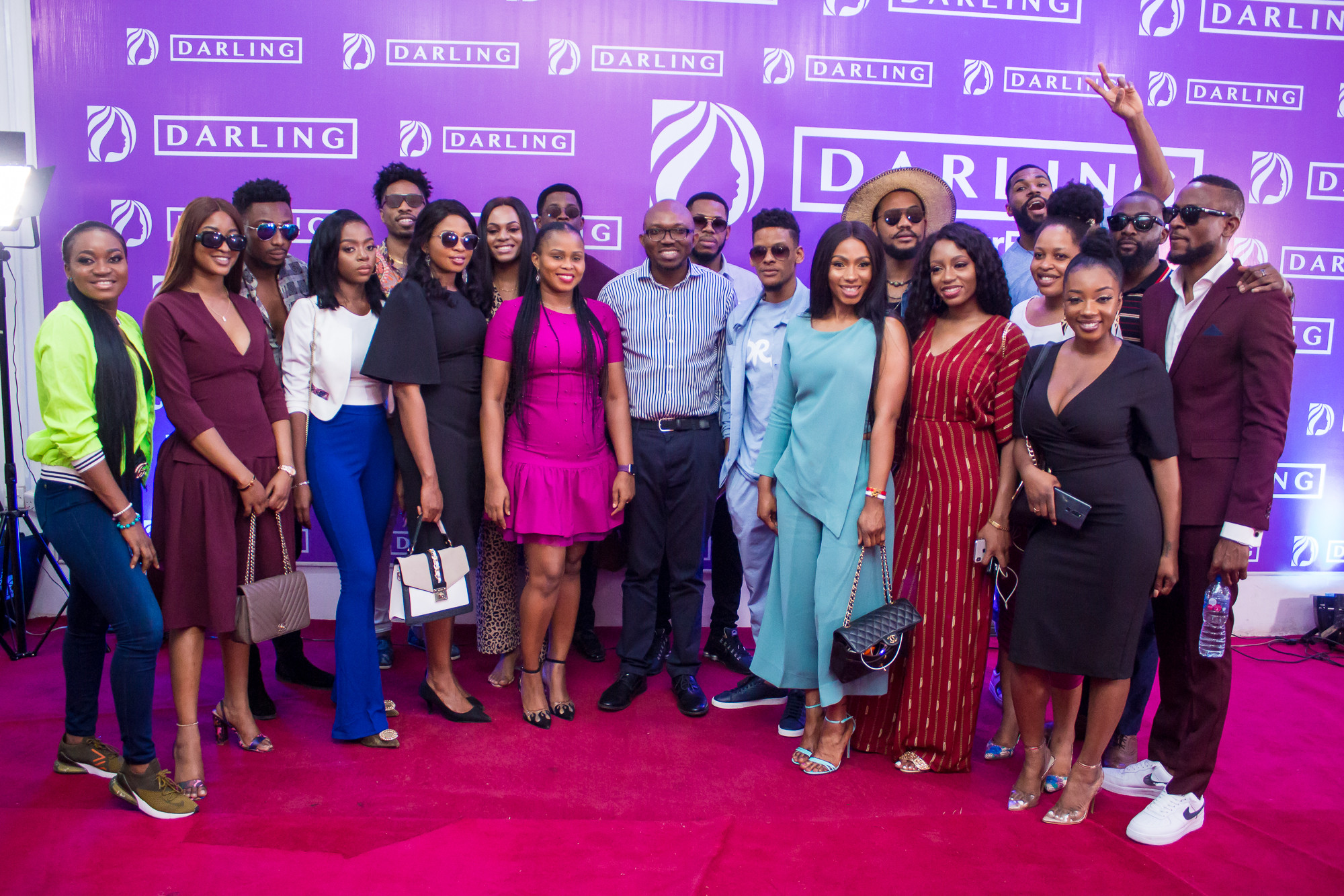 Photo of BBNaija: Darling hosts housemates; redeems cash prizes for Darling task winners