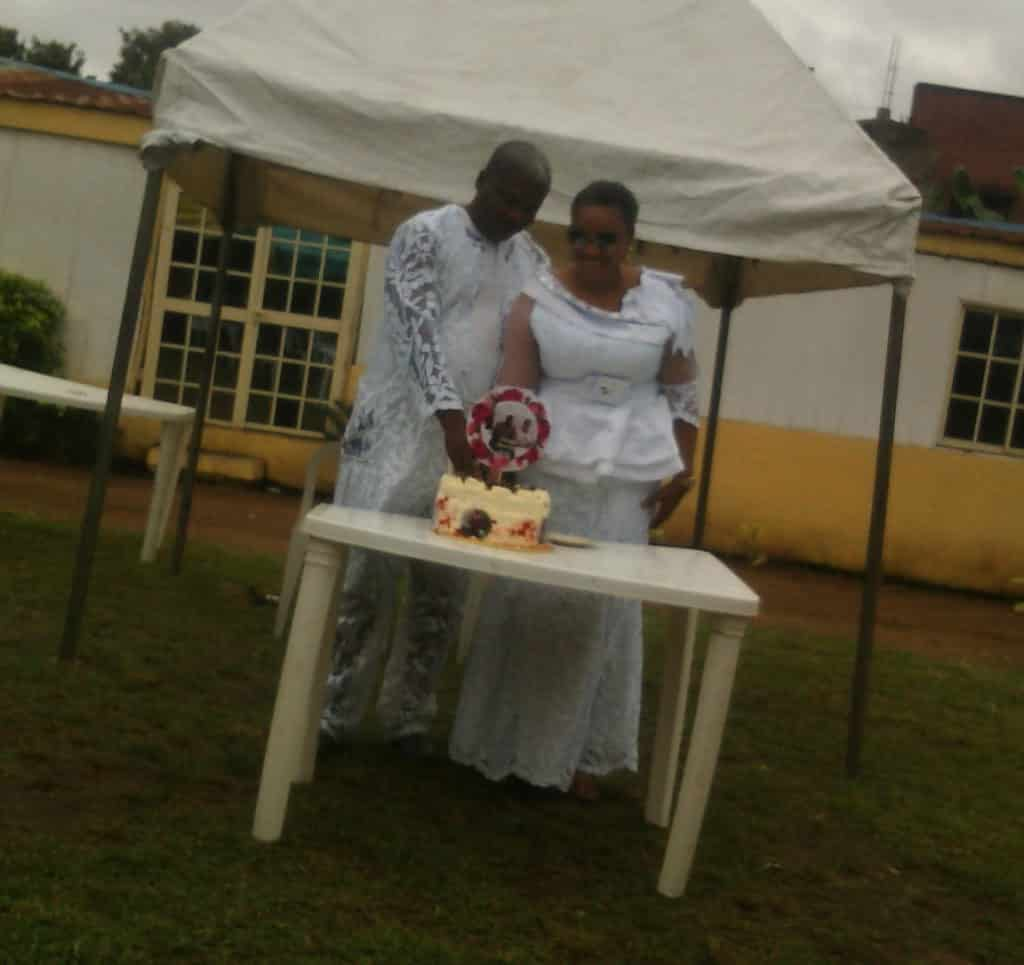 Photo of Pastor's wife catches husband in secret wedding with another woman in Lagos