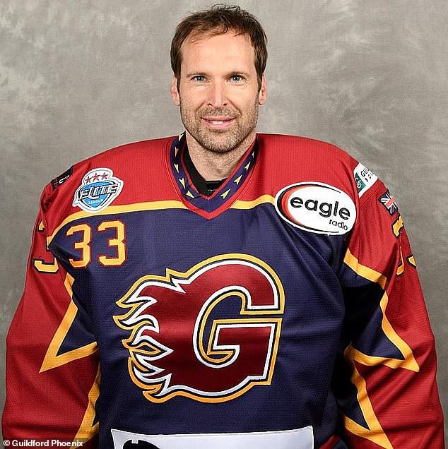Petr Cech signs with Ice Hockey club Guildford Phoenix
