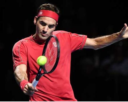 Photo of Roger Federer beats Lionel Messi and Cristiano Ronaldo to take the number one spot on Forbes' Athletes Rich List
