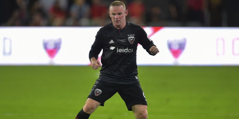 Photo of Rooney falls in MLS farewell as Toronto thrash United
