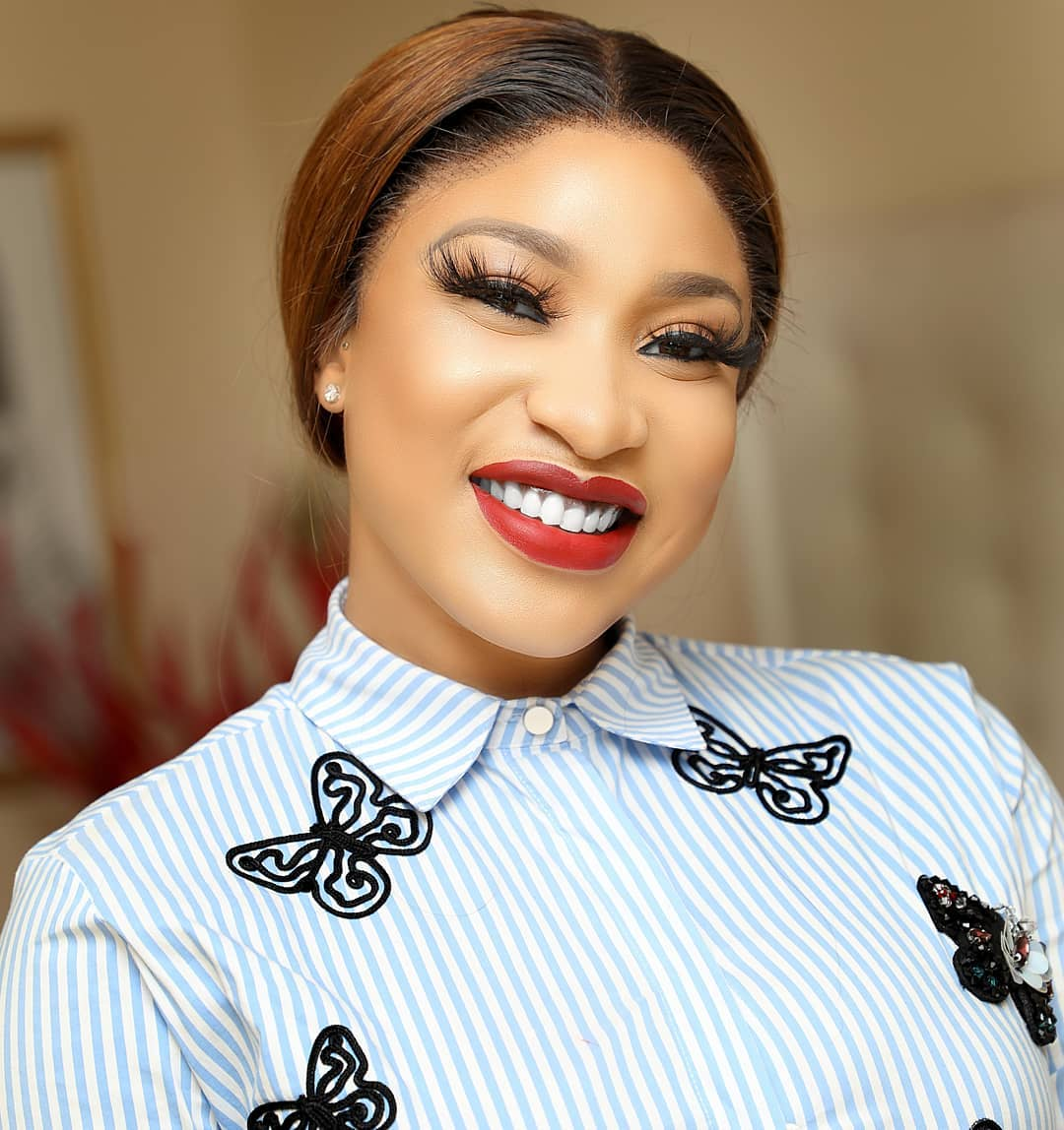 Photo of Tonto Dikeh still in Dubai police custody as friends abandon her