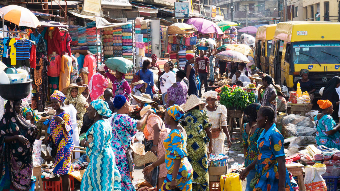 Photo of Lagos State government shuts down Oyingbo Market