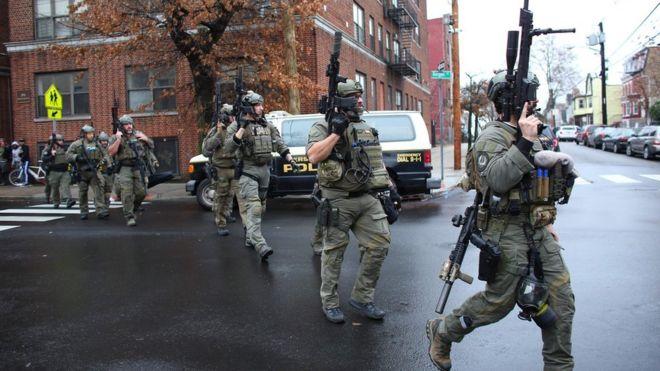 Photo of Deadly gun battle kills six people in Jersey City