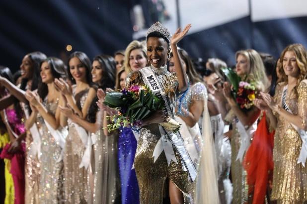 Photo of Miss South Africa Zozibini Tunzi crowned Miss Universe 2019