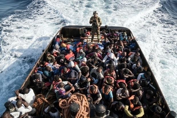 Photo of Spain's coastguard saves 200 migrants on Christmas Day