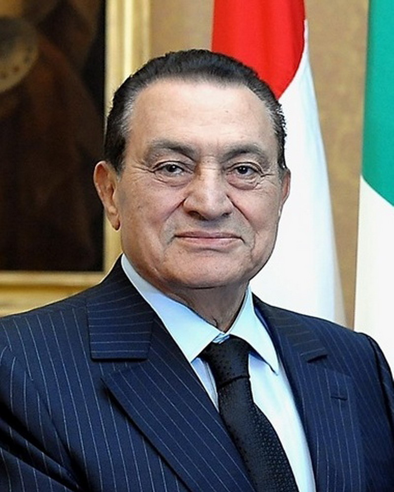 Photo of Egypt's ex-president Hosni Mubarak dies at 91