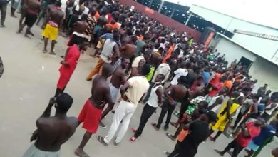 Photo of Chinese company locks over 100 Nigerian staff inside premises in Ogun state (Video)