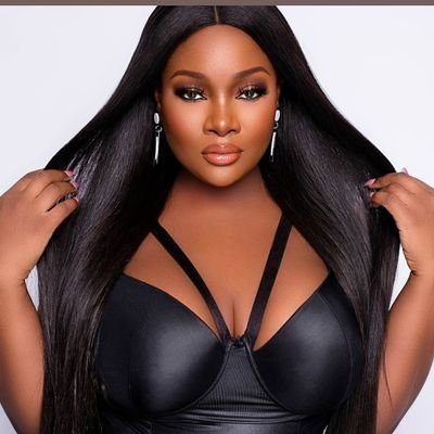 Photo of Toolz shares experience with her staff who asked her to transfer her entire salary to her church
