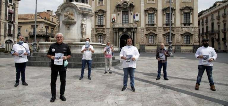 Photo of 60,000 volunteers to work as social distancing monitors in Italy